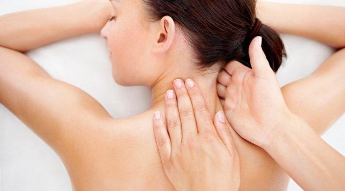 Лечение шейного остеохондроза с помощью мануальной терапии
