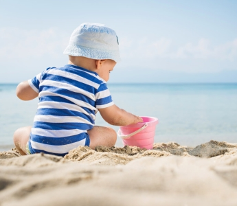 Чем полезен и чем опасен загар для ребенка